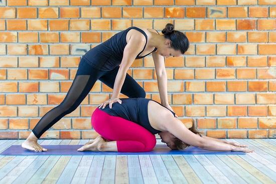 Yoga được xem là phương pháp hỗ trợ điều trị thoát vị đĩa đệm hiệu quả
