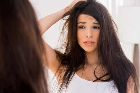 Bệnh vẩy nến là một bệnh bên trong cơ thể nên điều trị rất khó khăn