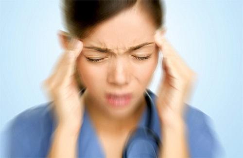Mắt mờ là dấu hiệu tụt huyết áp