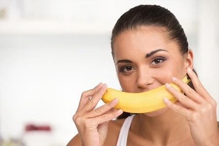 Không nên ăn chuối lúc bụng đói sẽ làm mất cân bằng sự ổn định của tim mạch, gây tổn hại cho sức khỏe