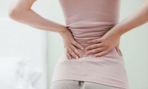 Đau lưng bên phải gần mông có nguy hiểm không?